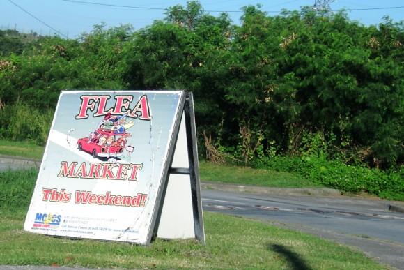 フリーマーケットの看板