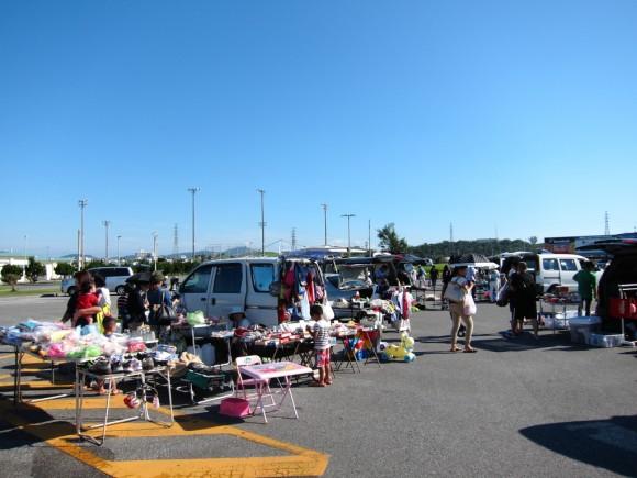 キャンプコートニーのフリーマーケット