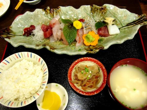 宮古島おふくろ亭刺身定食